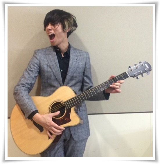 アレキサンドロス川上洋平のギターの種類まとめ!アコギ以外も凄い?15