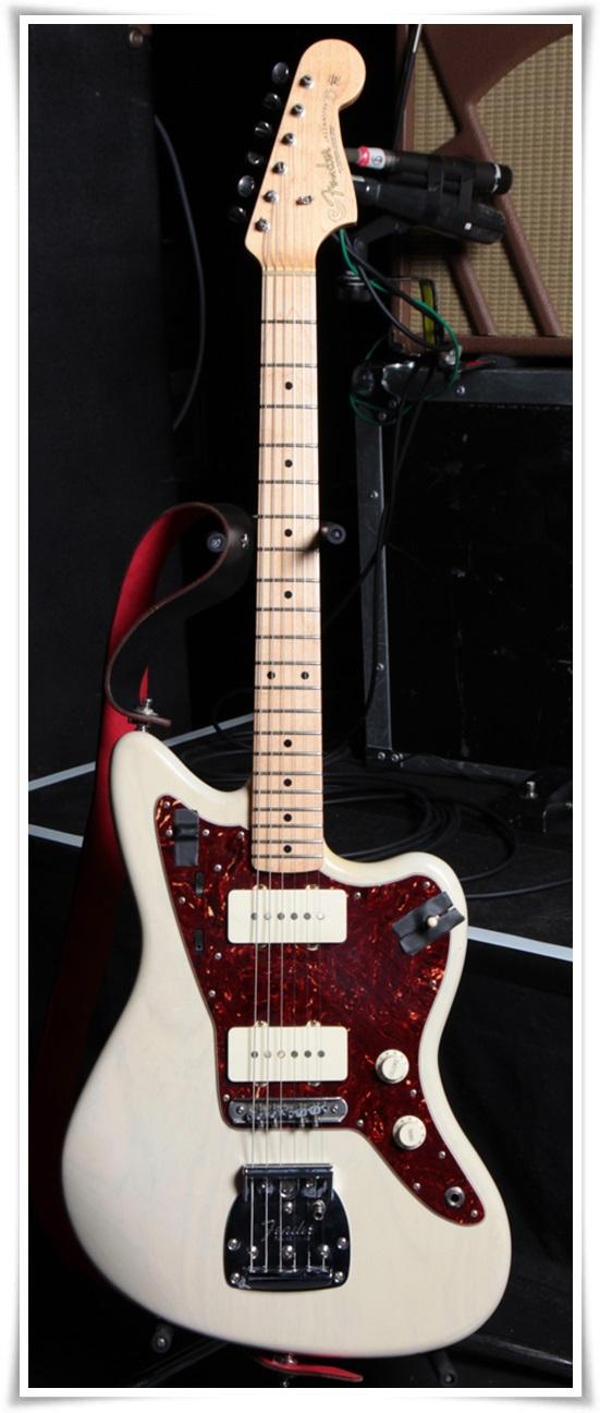 アレキサンドロス川上洋平のギターの種類まとめ!アコギ以外も凄い?4