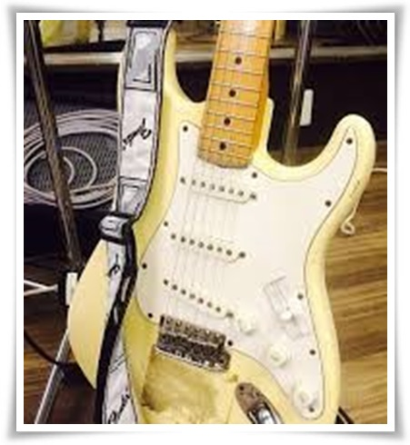 アレキサンドロス川上洋平のギターの種類まとめ!アコギ以外も凄い?6